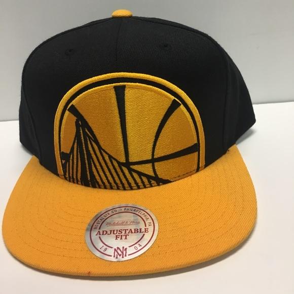 sale retailer b87e7 5064b Golden State Warriors Mitchell   Ness snapback hat. NWT
